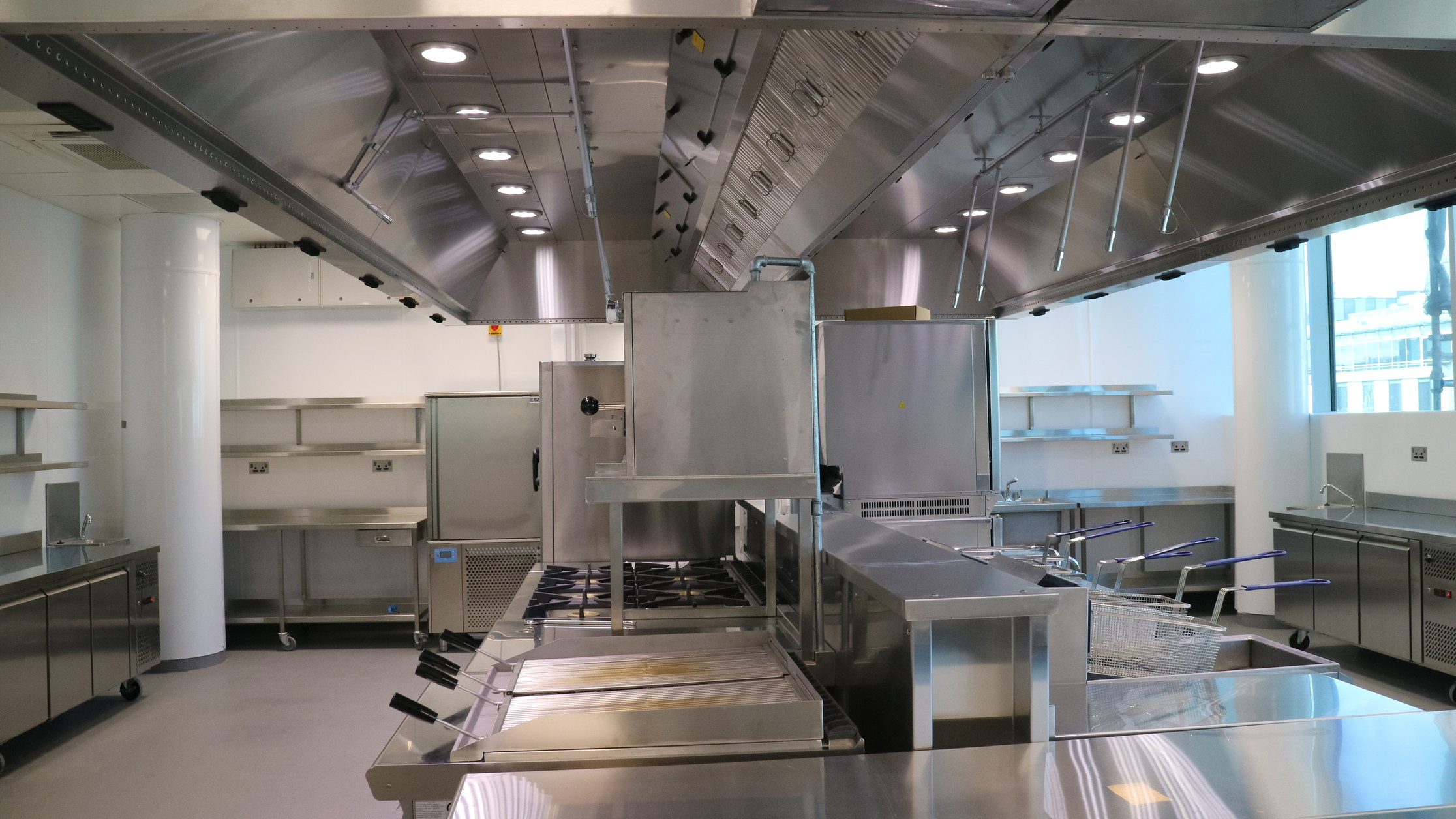 The Right Commercial Kitchen Canopy System Entropic Limited